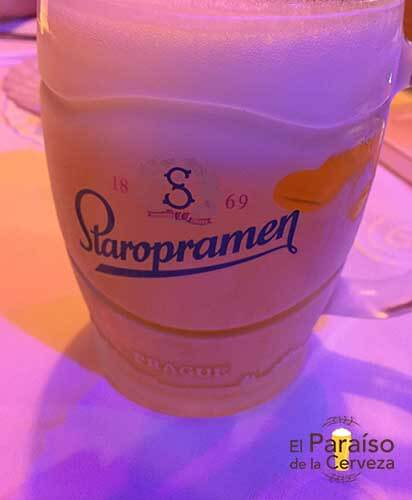 Staropramen jarra cerveza Republica Checa