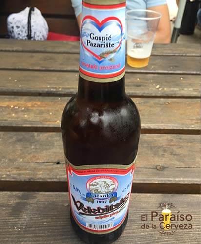 cerveza Velebitsko 1 botellin y vaso el paraiso de la cerveza