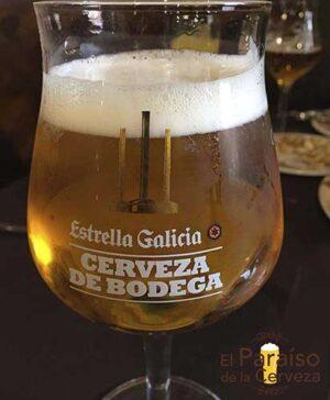 Cerveza Estralla Galicia de Bodega vaso